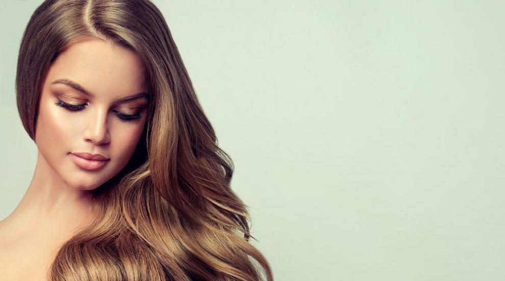 Как да си направим небрежни къдрици с пресата за коса? (ВИДЕО)