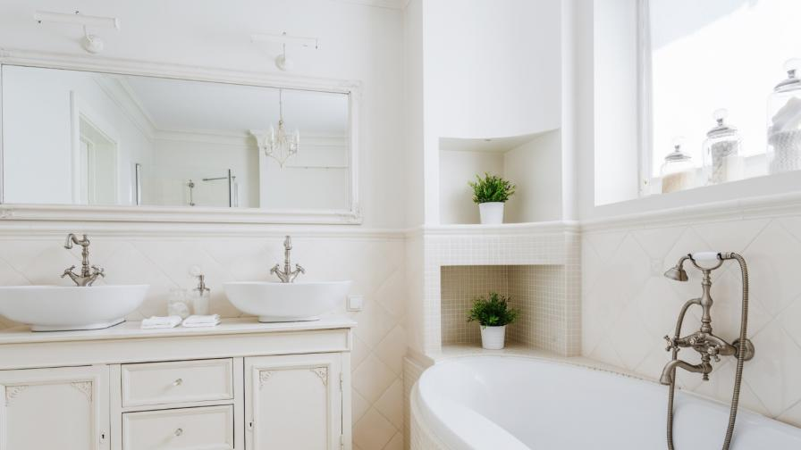Как да превърнем скучната бяла баня в истинско бижу