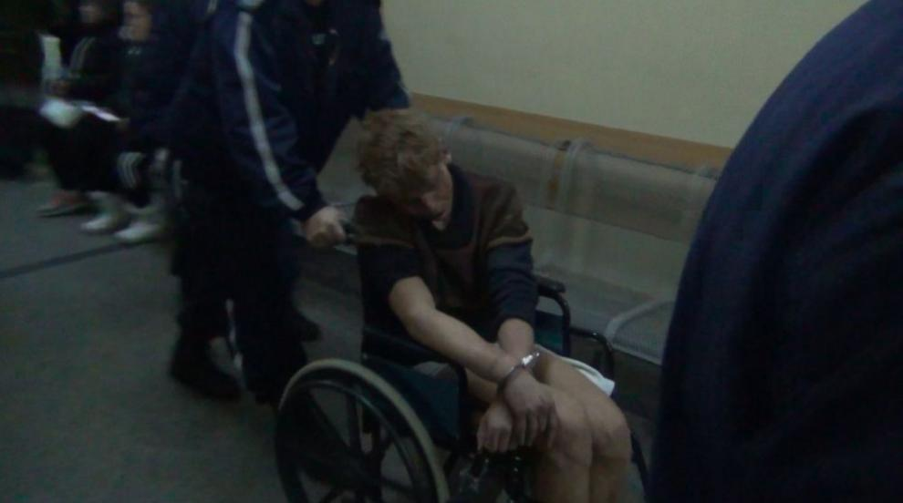 Прокуратурата пое случая с мъжа, ранил трима полицаи в автобус