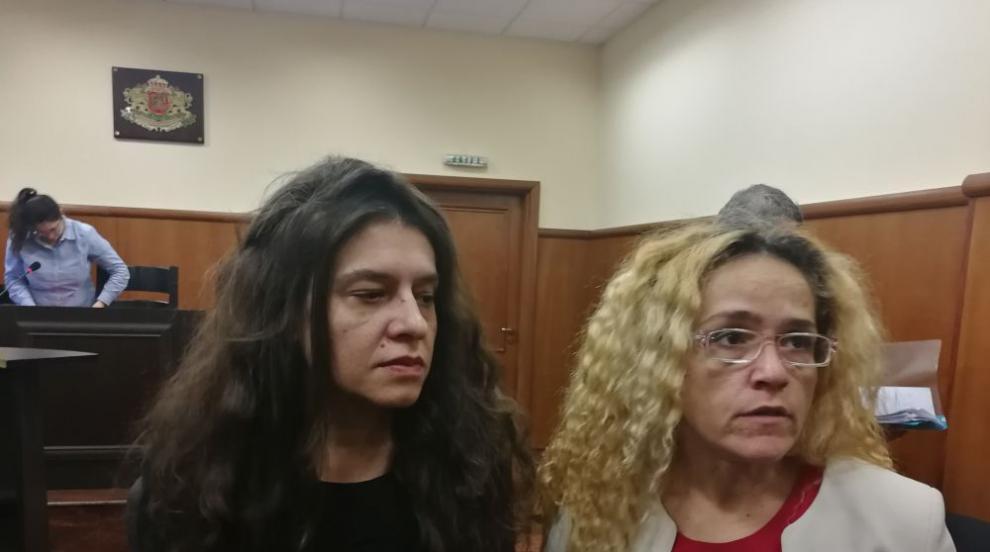 Поддръжници на Десислава Иванчева и Биляна Петрова искат оставки