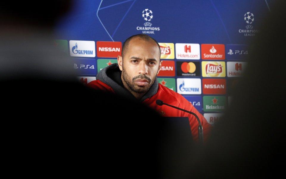 Ръководството на Барселона счита бившия нападател на клуба Тиери Анри