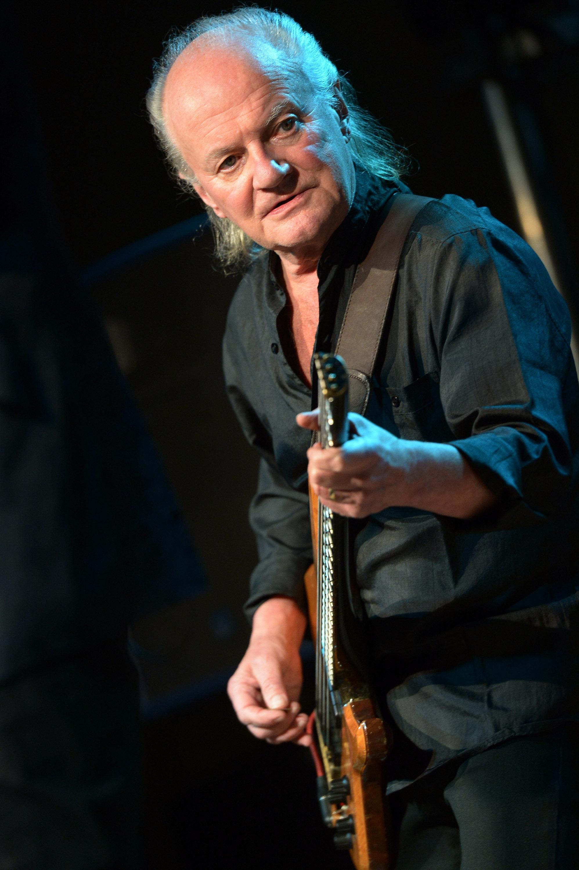 """Джим Родфорд (1941-2018) - басистът на """"Зомбис"""" и бивш член на групата """"Кинкс"""". Родфорд се присъедини към """"Кинкс"""" през 1978 г. и бе неин член до 1996 г."""