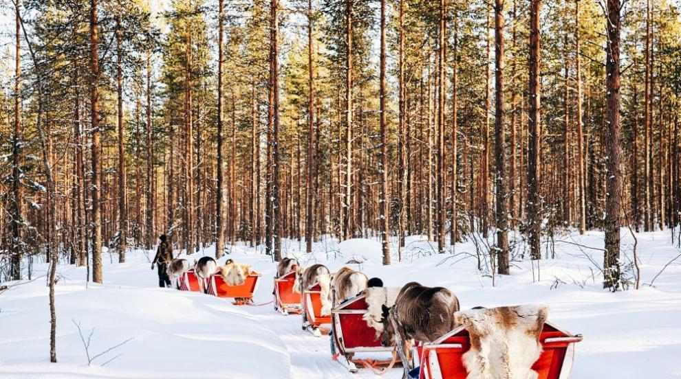 До къде стигна обиколката на Дядо Коледа? (ВИДЕО)