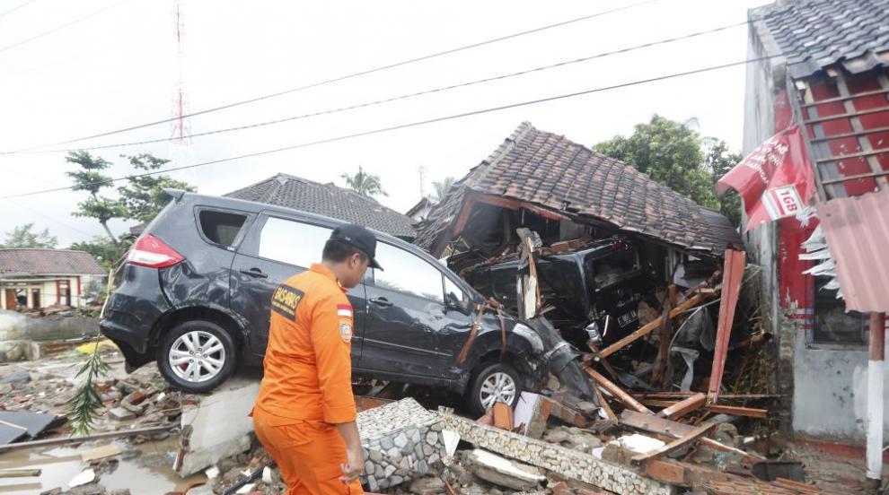 Спасителните екипи не могат да достигнат до всички засегнати райони след...