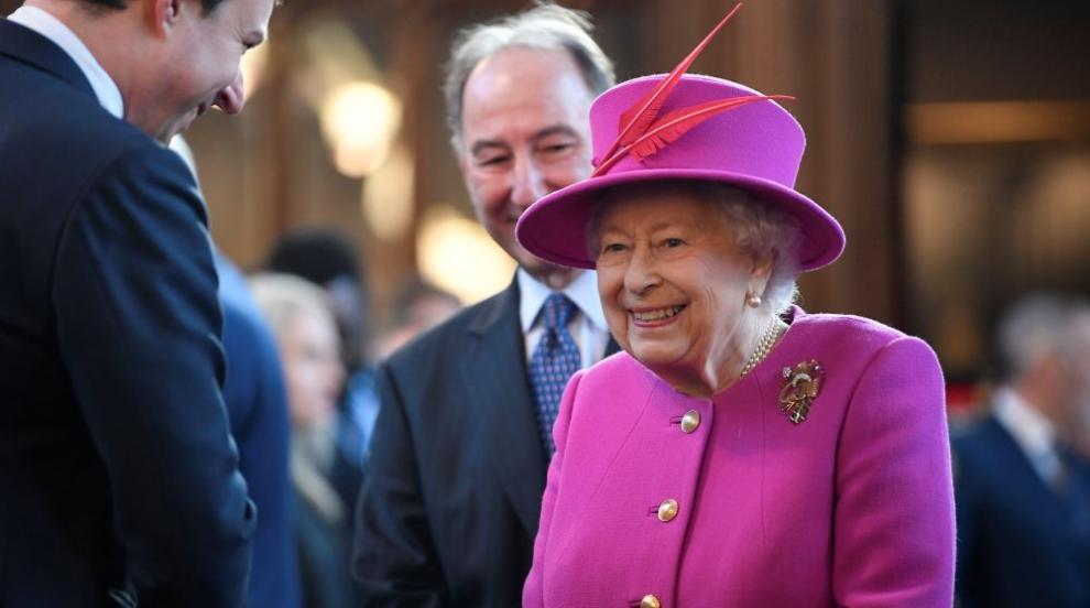 Кралица Елизабет Втора посреща гости в Сандрингам за Коледа