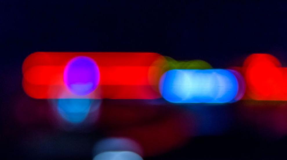 Катастрофа между кола и училищен автобус, една жена е тежко пострадала