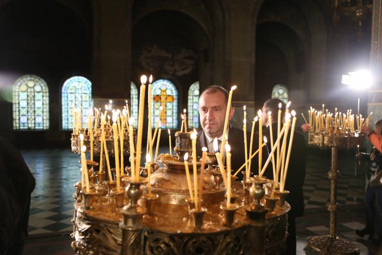 Патриарх Неофит благослови християните по случай Рождество