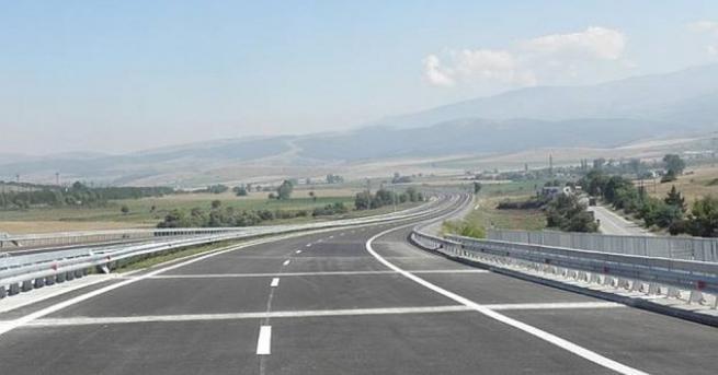 Движението по автомагистрала