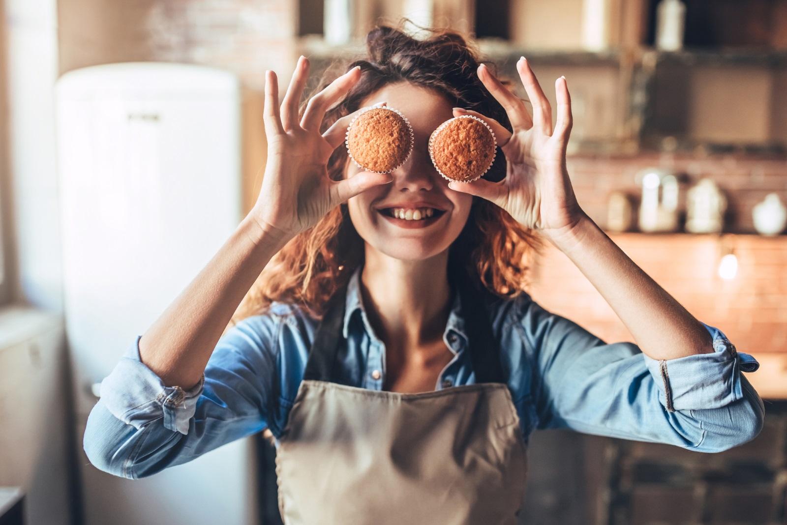 4. Развихрете се в кухнята. През делничните дни рядко остава свободно време за това, но през уикенда, когато времето е лошо, може да се отдадете на кулинарни преживявания и експериемнти в кухнята.