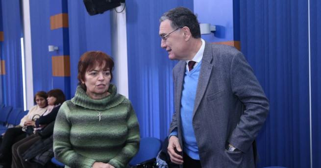 Натискът върху България да подпише пакта за миграция продължава Натискът