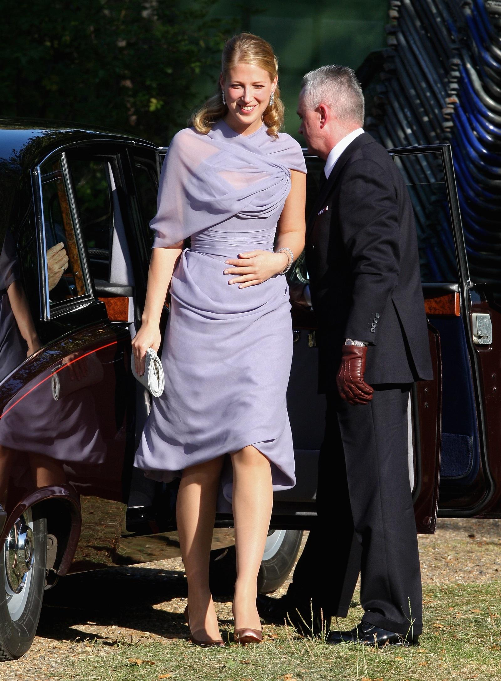 """Лейди Габриела Уиндзор - дъщеря на братовчед на кралица Елизабет II, ще се омъжи за годеника си Томас Кингстън, пишат британски издания. Церемонията ще бъде в храма """"Сейнт Джордж"""" в Уиндзор и медии няма да бъдат допуснати."""