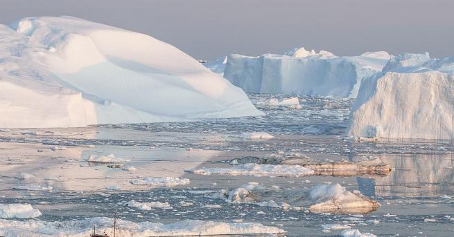 Голям ледник в Гренландия, който беше един от най-бързо топящите