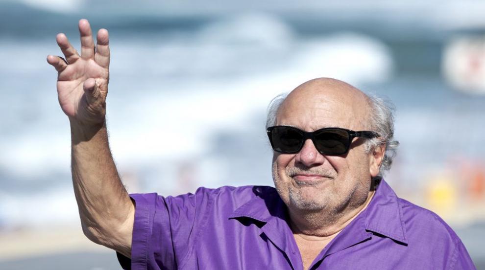 Дани де Вито падна по време на промоция в Мексико (СНИМКИ)