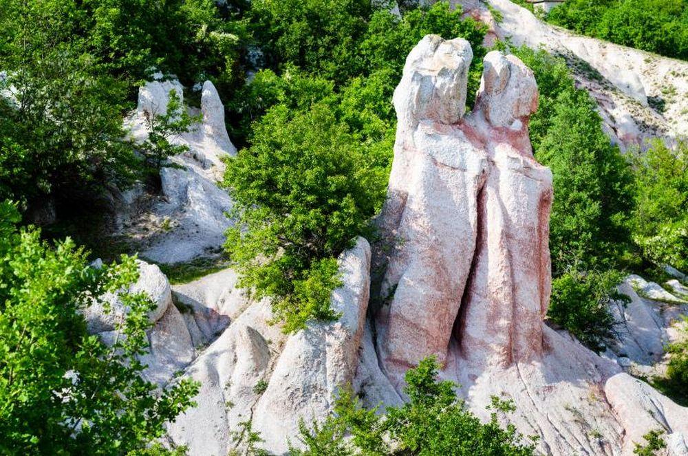 Природната забележителност Каменна сватба край Кърджали
