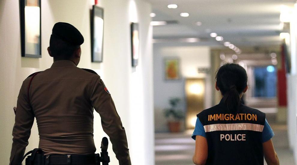 Тайланд засега няма да депортира саудитката, избягала заради тормоз от...