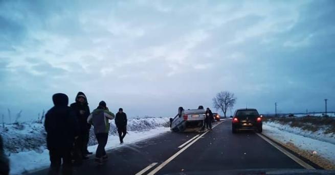 22-годишна жена се отърва без наранявания, след като колата й