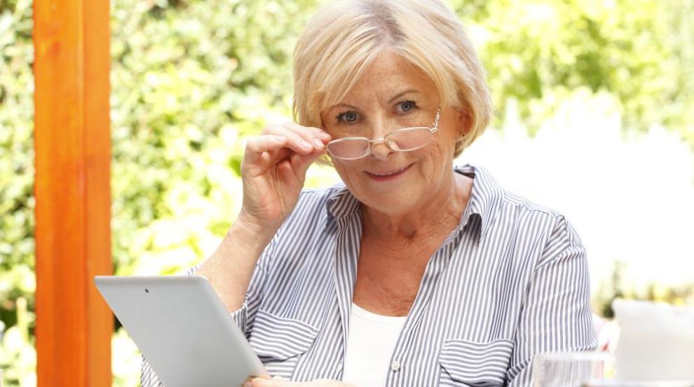 """БГ бабата: Млада, активна и на """"ти"""" с модерните технологии"""
