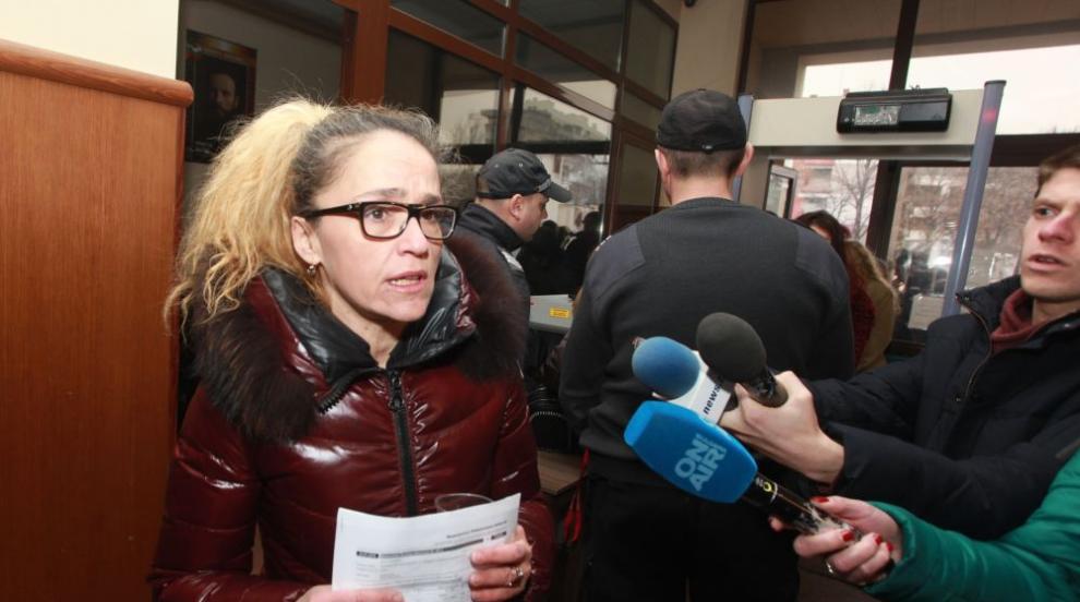 Спецсъдът търси кой е писал в тефтерчето на Десислава Иванчева