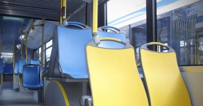 Автобус на граския транспорт в Русе бе блъснат от лек