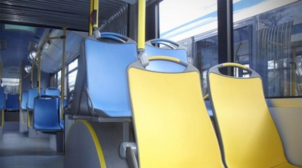 Пътник в автобус с опасност за живота след рязко спиране