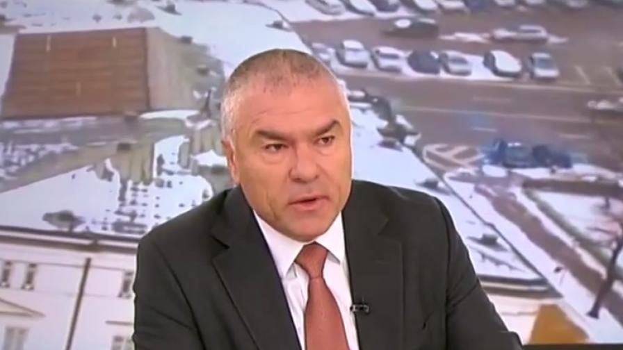 <p><strong>Марешки</strong> атакува остро <strong>Каракачанов</strong>, иска оставка</p>