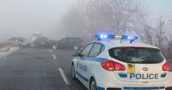 Пет автомобила са катастрофирали по пътя от Казанлък за град
