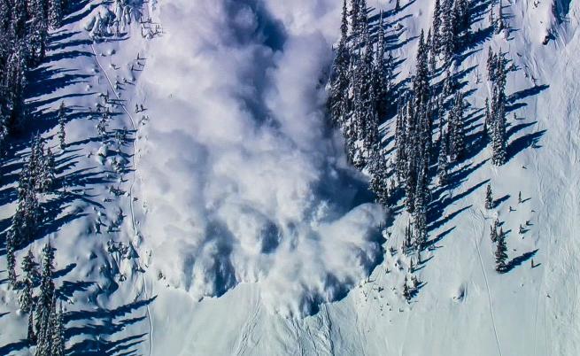 Опасност от нови лавини в планините