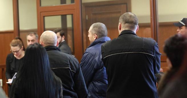 Специализираният съд задържа за постоянно в ареста петима души, обвинени
