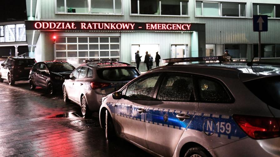 <p>Кметът на Гданск намушкан с нож, почина</p>
