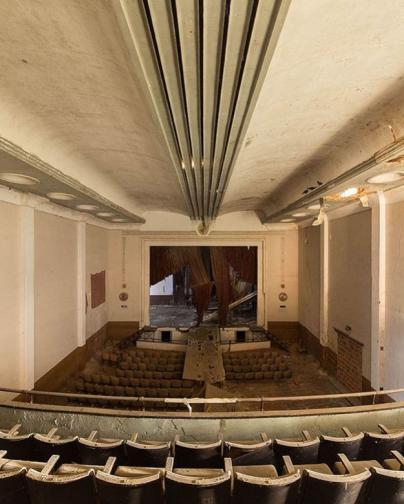 изоставени сгради театри