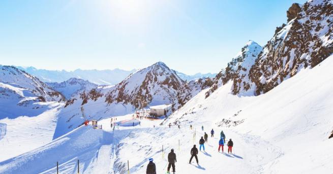 Холандски скиор загина днес следобед в лавина в район извън