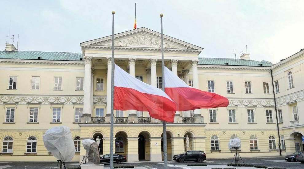 Управляващите в Полша печелят изборите