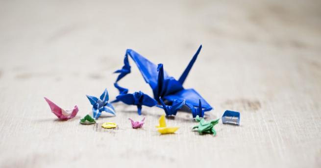 Японската културна традиция оригами позволява да сътворим цял свят от