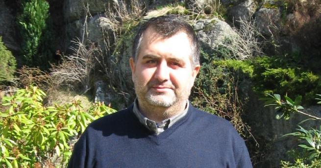 Снимка: Български баща се бори да запази децата си