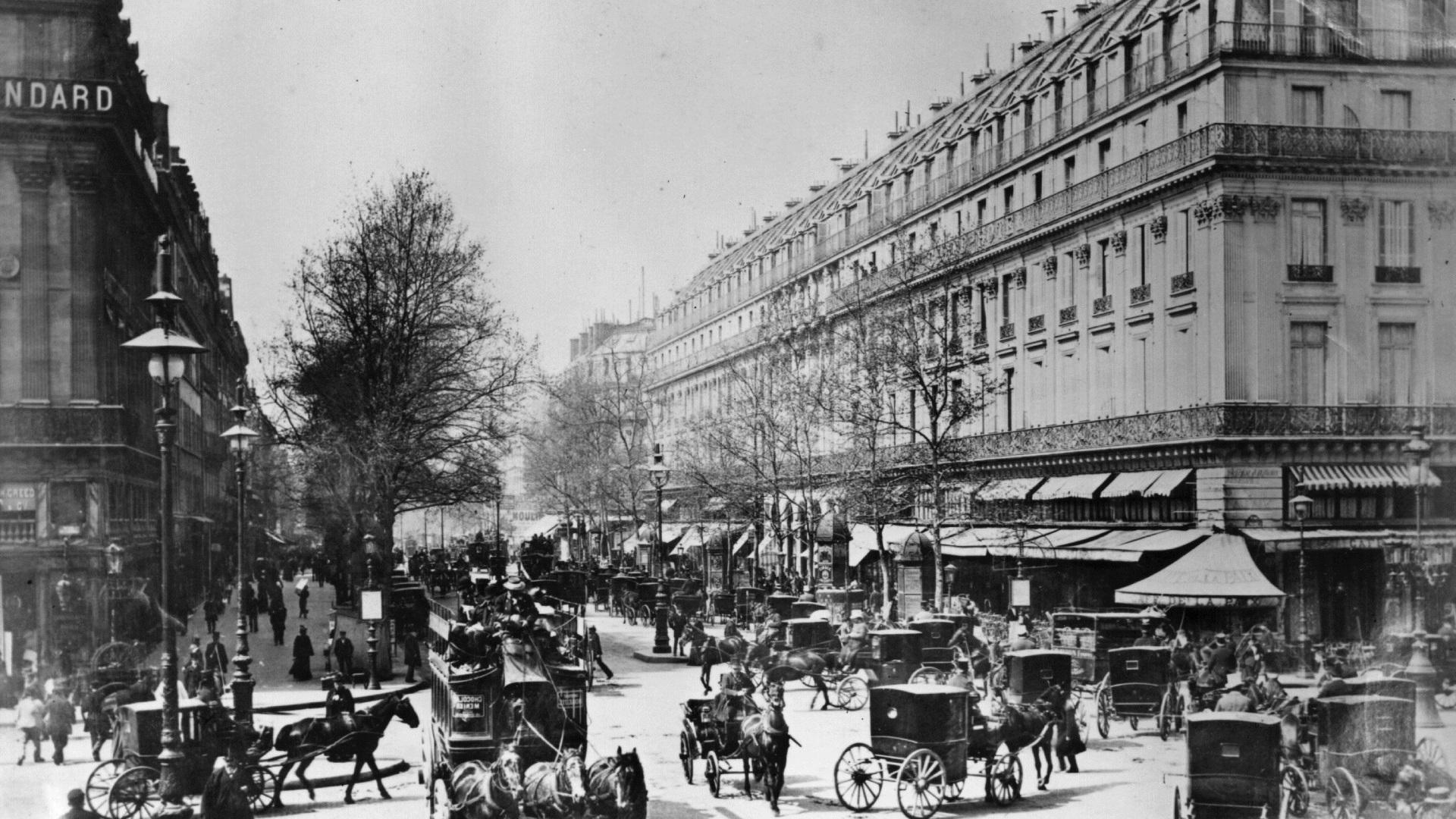 Архивни снимки на Париж преди Айфеловата кула