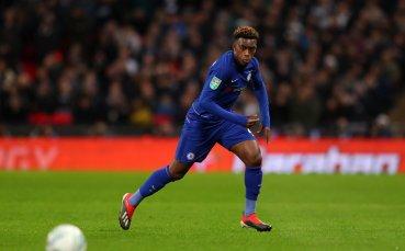 Челси оставя младата звезда в Лондон с нов договор