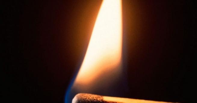 Мъж загина при пожар тази сутрин във Варна. Сигналът за