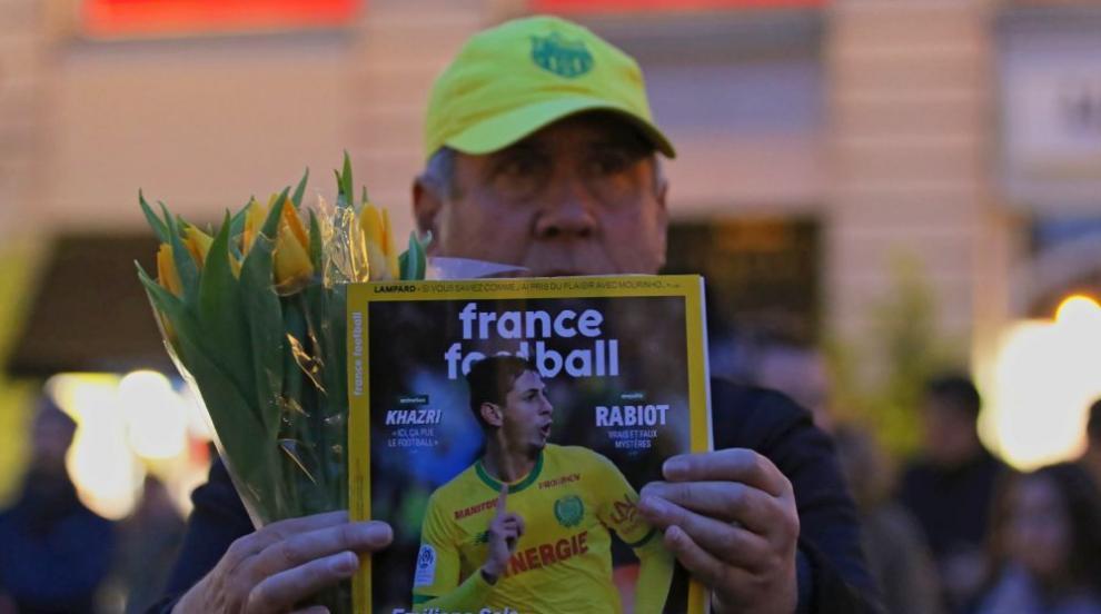 Няма следа от изчезналия самолет на футболиста Емилиано Сала