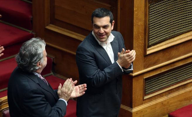 Гърция одобри договора за името на Македония