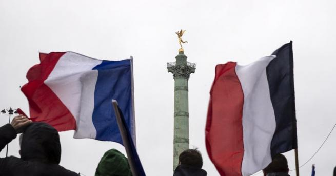 Френското правителство ще увеличи средствата за болниците с държавно финансиране