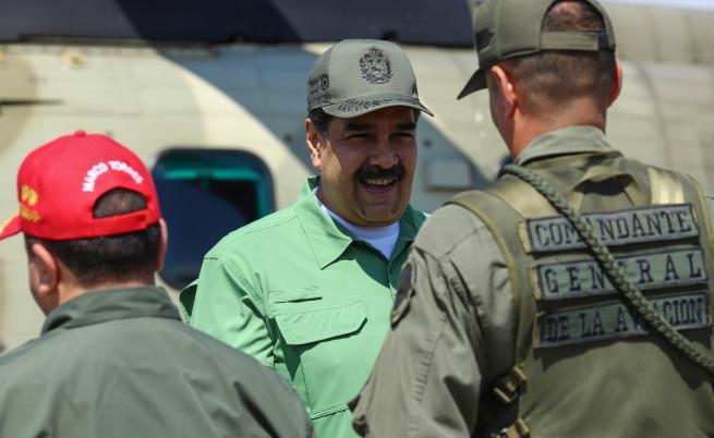 Руски военни самолети доставиха войски в Каракас