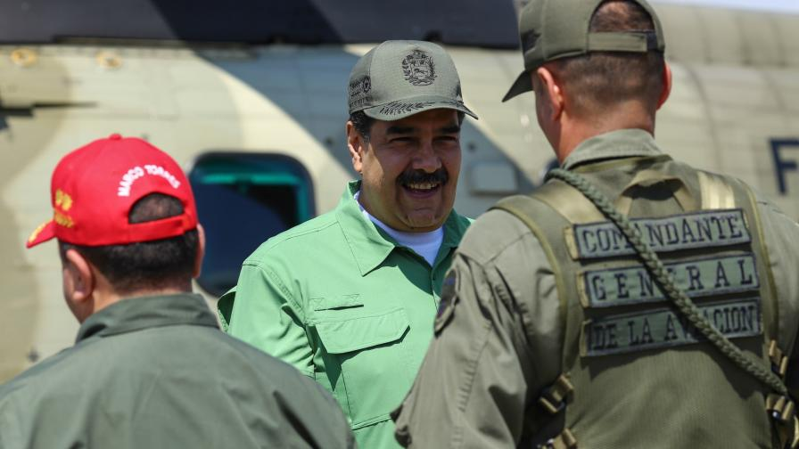 Николас Мадуро на посещение във военна база във Венецуела