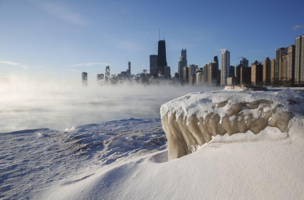 "Ледено студеното време се дължи на природното явление ""Полярен експрес"""