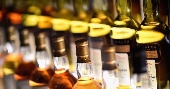 Половин тон алкохол без бандерол откриха варненските гранични полицаи в
