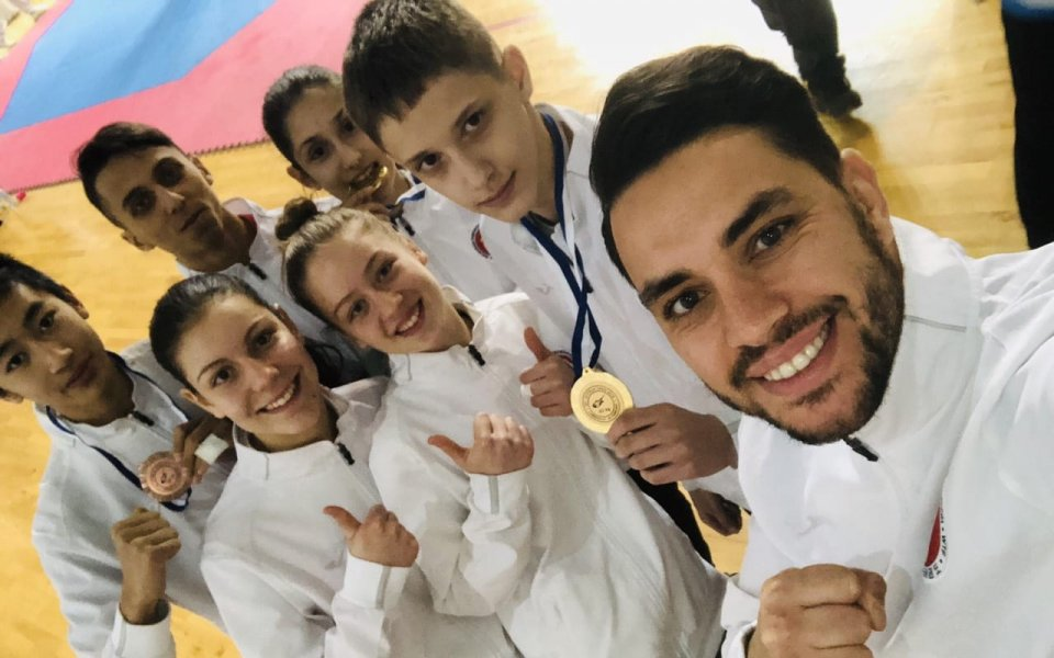 4 златни и 2 бронзови медала за таекуондистите в Кипър