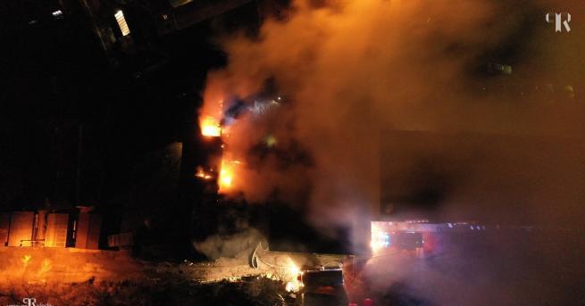 Най-малко 70 душизагинаха при пожар в бангладешката столица Дака, предаде