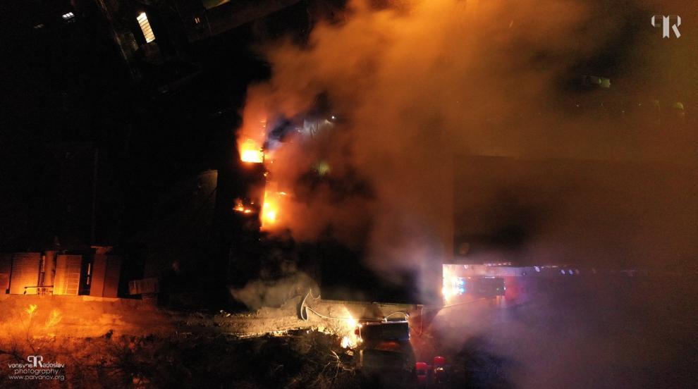 Най-малко 70 души загинаха при пожар в Дака