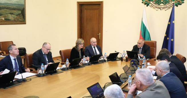 Извънредно правителствено заседание ще се състои днес от 9.00 часа,