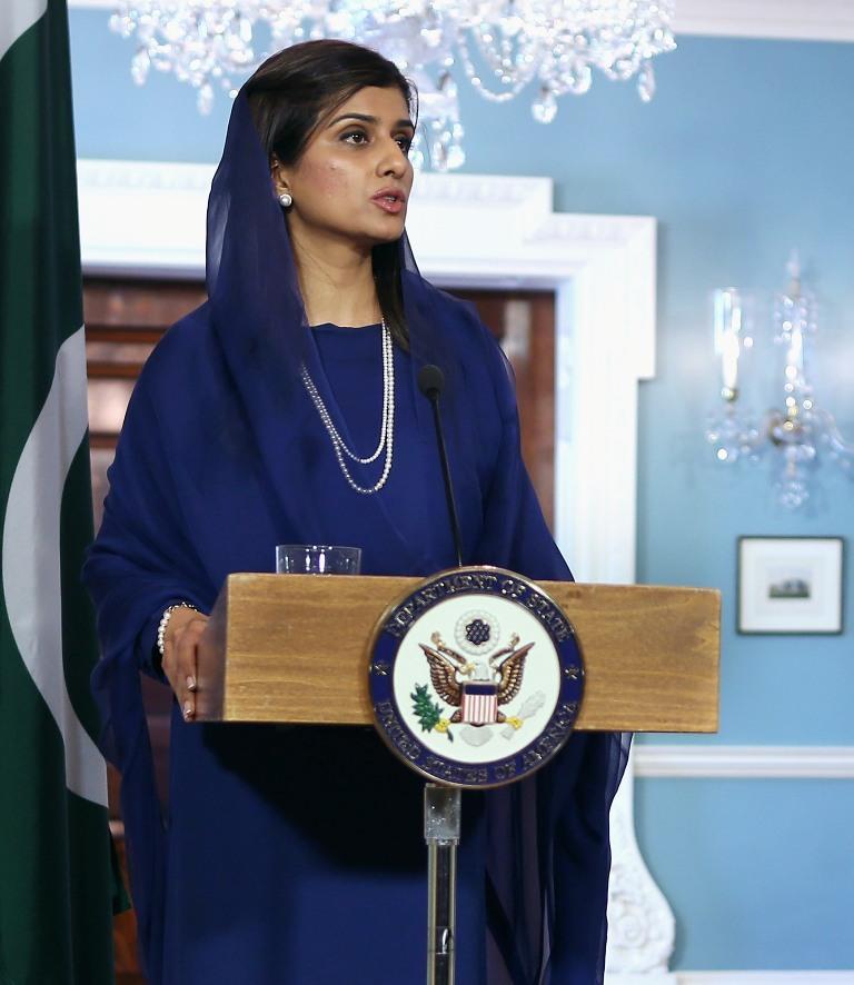 Хина Рабани Кхар - 26-ият външен министър на Пакистан. Разследвана и осъдена за измами. Името й се свързва и с бившия италиански премиер Силвио Берлускони.<br>