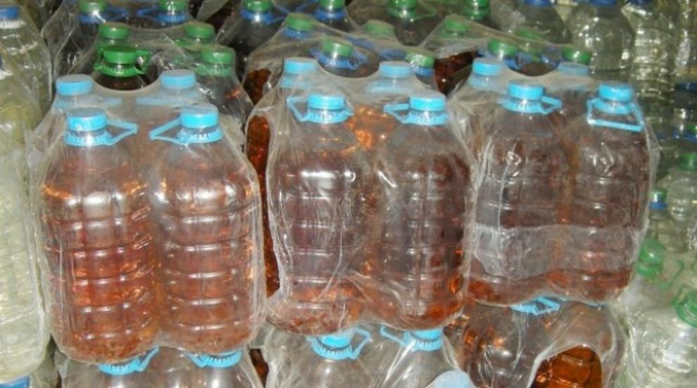 Митнически служители иззеха 302 литра ракия в района на ТД